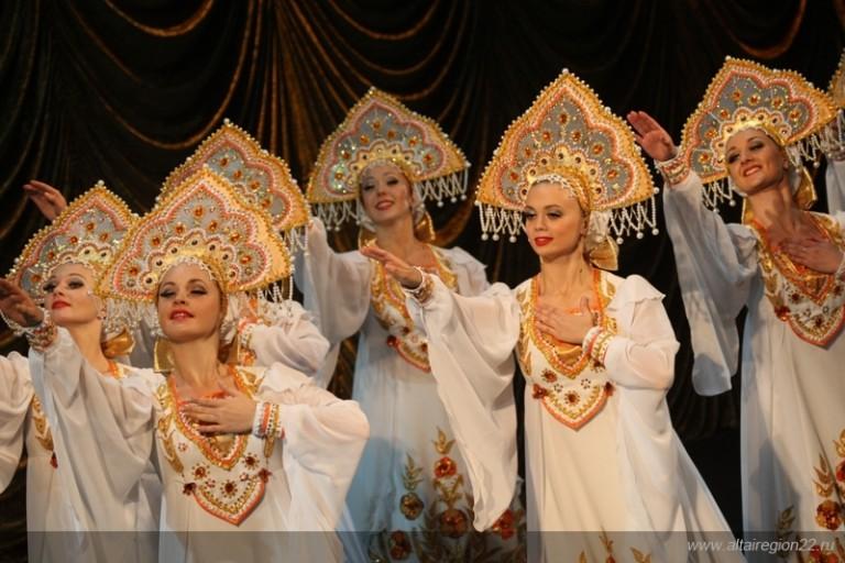 Николай Борисенко: «В Москве появилось выражение: «Сдавай путевки в Турцию и поезжай в Алтайский край»