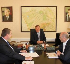 Губернатор Александр Карлин провел рабочую встречу с руководством концерна «Тракторные заводы»