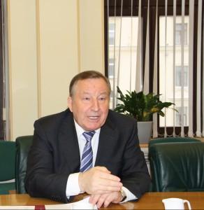 Александр Карлин дал интервью информагентству «Интерфакс»