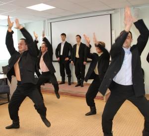 Артисты Государственного молодежного ансамбля песни и танца Алтая провели творческую встречу со студентами Российского университета дружбы народов